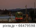 夕暮れの真岡鐵道 66479598