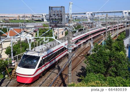 堀切付近のカーブを走る東武鉄道200型特急りょうもう号 66480039