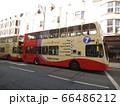 イギリス ブライトン駅前のバス  66486212