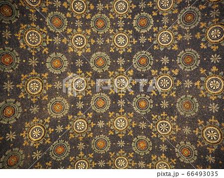 イタリアラヴェンナのモザイク画 天井均一画 66493035