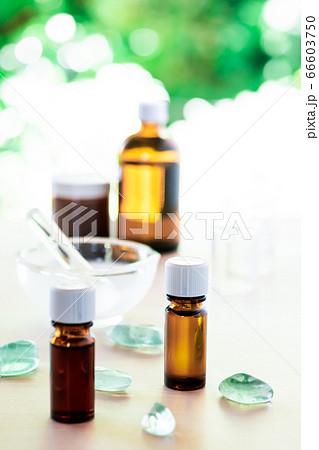 エッセンシャルオイルを使った100%天然成分の化粧品を手作り 66603750