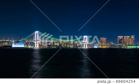 東京 豊洲ぐるりパークから見るレインボーブリッジの夜景 66604254