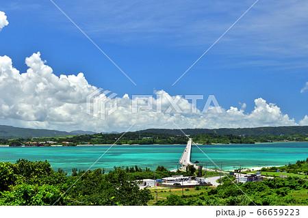 古宇利の丘から望む古宇利大橋/沖縄県の絶景 66659223