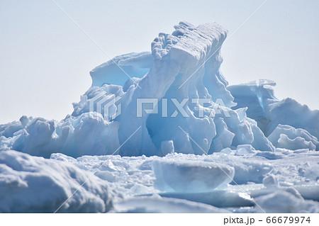 スヴァールバル諸島の景色(ノルウェー) 66679974