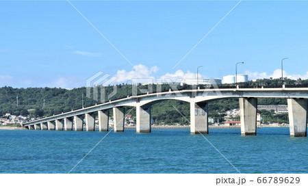沖縄うるま市 浜比嘉島と浜比嘉大橋 66789629