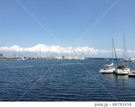 海辺の風景 66793456