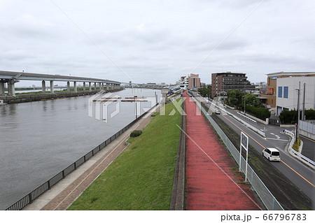【ここにいてはダメ】江戸川区船堀橋からの風景 66796783