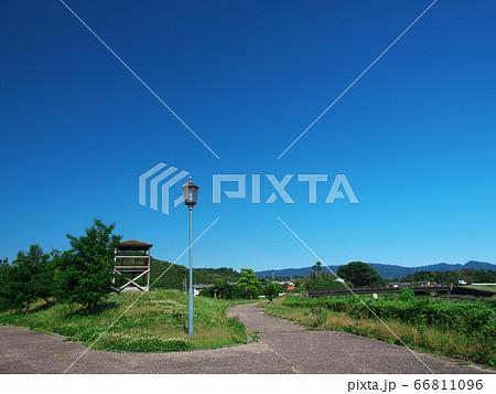 津市榊原川復旧記念公園 展望台と街灯 66811096