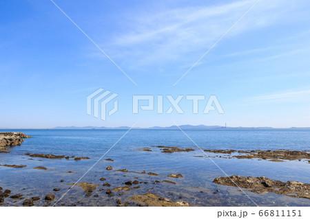 日間賀島から渥美半島を望む 愛知県南知多町 66811151