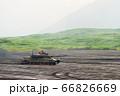 全速前進で疾走する90式戦車 66826669