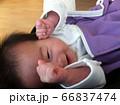 乳幼児の笑顔 66837474