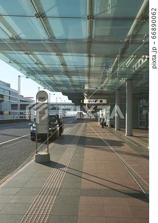 羽田空港第二ターミナル バス・タクシー乗り場 66890062