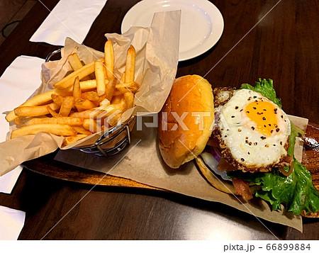 グアムでランといえばハンバーガー 66899884