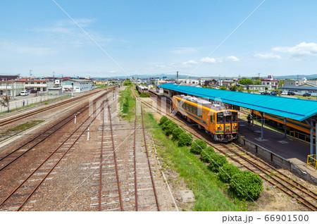 日本最北私鉄津軽鉄道「津軽五所川原駅」構内の風景 66901500