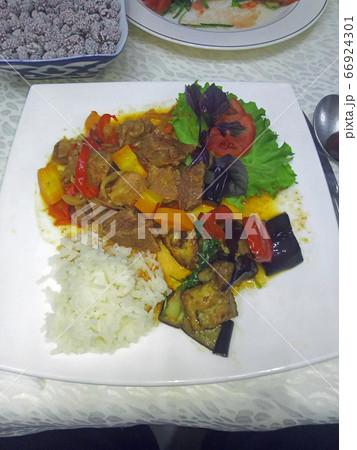 ディムラマ(牛肉煮込) ウズベキスタン料理 66924301