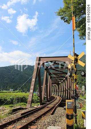 JR西日本九頭竜線の第七足羽川橋梁がある風景 66940004
