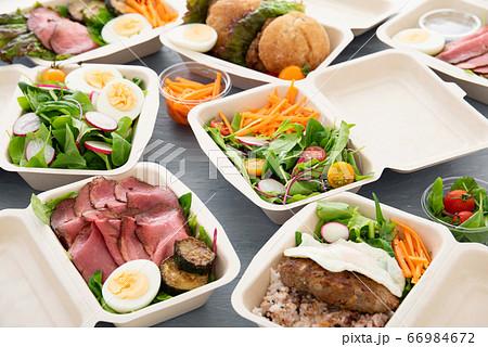 テイクアウトの料理 66984672