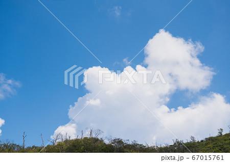 夏の入道雲 67015761