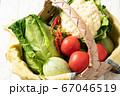 カゴいっぱいに野菜!北海道産 67046519