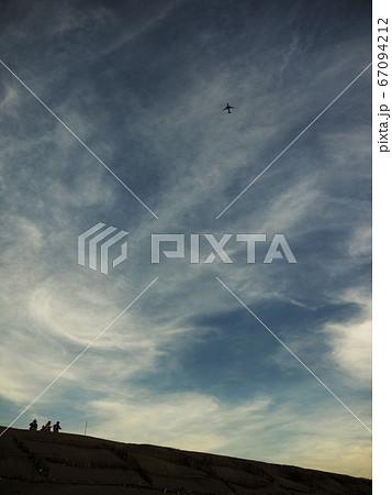 台湾桃園の砂丘「觀音草漯沙丘」夕方の見上げた空 67094212