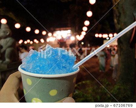 カキ氷と夏祭りの風景(川崎市 丸子山王日枝神社) 67106769