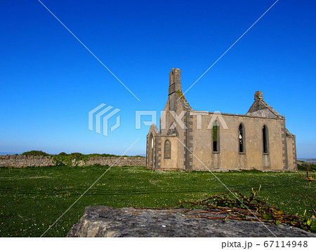 古い教会跡 アラン諸島イニシュモア島 67114948
