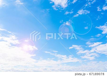 青空と白い雲 67189078