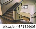 古い学校の階段(滋賀県・豊郷小学校旧校舎) 67189986