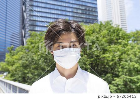 マスクのビジネスマン 2020年7月 67205415