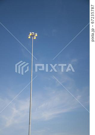 ラスベガス・フリーウェイの道路灯 67235787