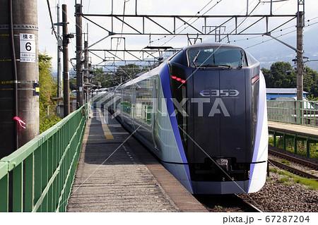中央線特急あずさ:E353系(新府駅) 67287204