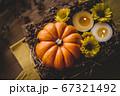 ハロウィン 秋のフラワーアレンジメント 67321492