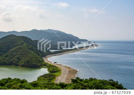 鹿児島県甑島の長目の浜と青空 上甑島の国の天然記念物 67327039