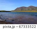アラスカ州、夏の湖水地帯 67333522