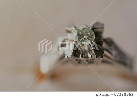 立爪ダイヤモンドリングのアップショット 67338963