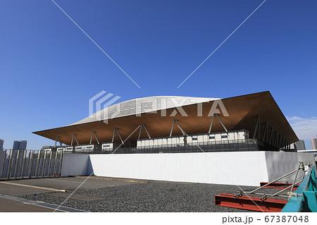 オリンピック・パラリンピックで体操・新体操・ボッチャなどが行われる有明体操競技場の外観 67387048