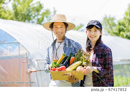 田舎ぐらしの夫婦 67417852