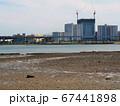 あいたか橋から撮った福岡市東区のマンション街と香椎浜の鳥居 67441898