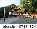 神社の境内 67454324