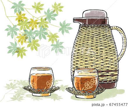 籐のポットと麦茶を注がれた撫子柄の冷茶グラス 背景に青楓 版画風 67455477