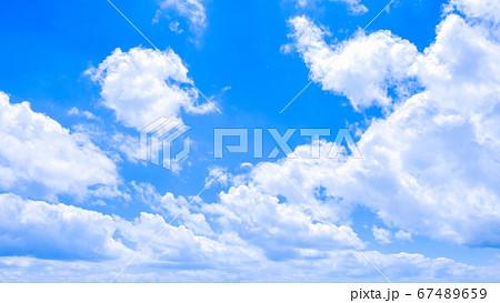 爽やかな青空 67489659