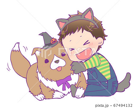 犬と遊ぶハロウィン仮装の男の子_狼男 67494132