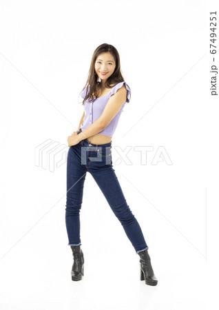 20歳代女性 67494251