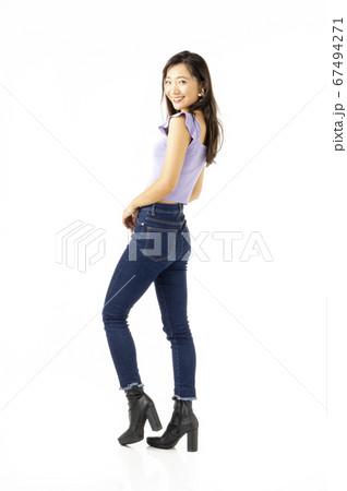 20歳代女性 67494271