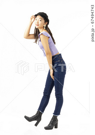 20代女性 67494743