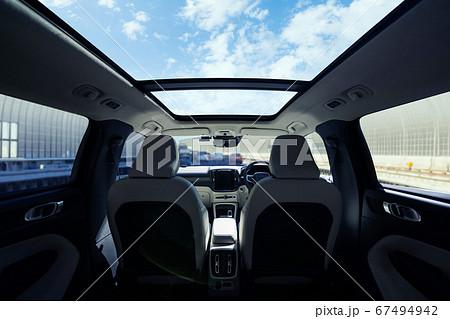 自動車のインテリア 67494942