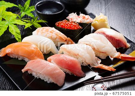 お寿司 黒バック 高級 67575051