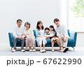 三世代家族、リビング、マイホーム、ソファ 67622990