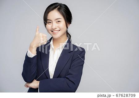 女性 ビジネスウーマン 67628709