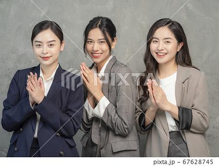 女性 ビジネスウーマン 67628745
